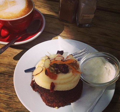 Powerhouse Cafe: Best carrotcake ever