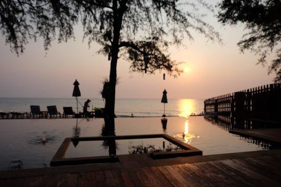 Baan Talay Dao Resort: อาทิตย์ยามเช้า