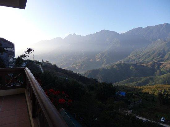 Sapa Lodge : 部屋バルコニーからの眺め