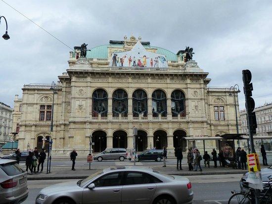 State Opera House : Fachada del Teatro de la Ópera