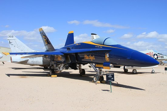 Pima Air & Space Museum : f-18 Blue Angels
