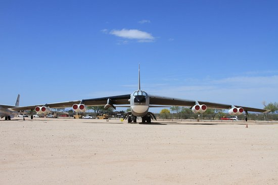 Pima Air & Space Museum : B-52 in Boneyard