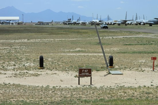 Pima Air & Space Museum : F-117 Stealth in Boneyard