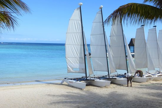 Trou aux Biches Beachcomber Golf Resort & Spa: Sail away