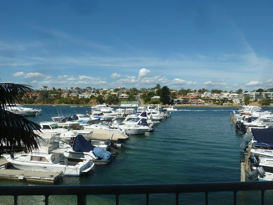Pier 21 Apartment Hotel : The Swan River at its best