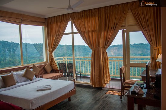 The Wind Munnar: The room