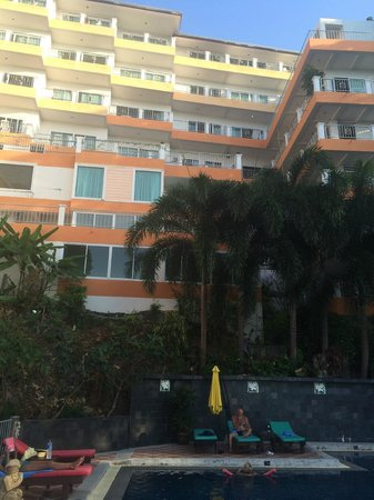 Blue Ocean Beach Resort : View of rooms from pool area
