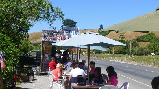 Kaikoura Seafood BBQ Kiosk: Seating area