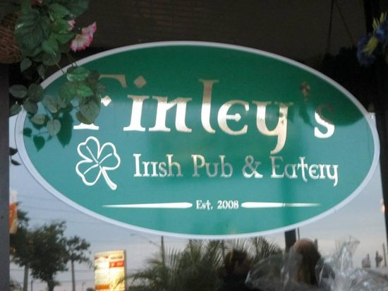 Finley's Irish Pub & Eatery: Welcoming Finley's sign