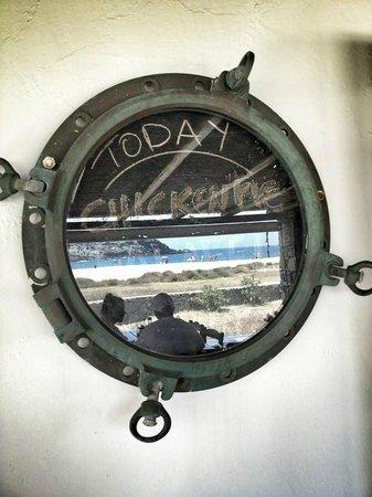 Fokos Taverna: Reflection of the beach