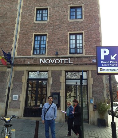 Novotel Brussels Grand Place: Hotel Facade