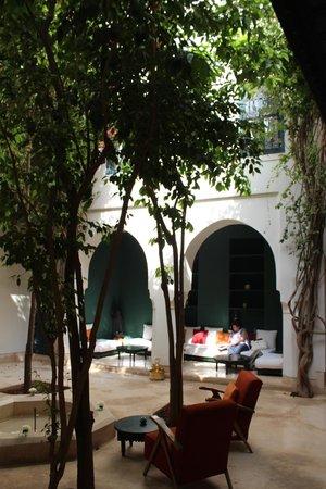Hotel & Spa Riad Dar Sara: Centre courtyard