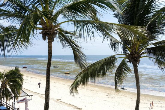 Bamburi Beach Hotel: beach access