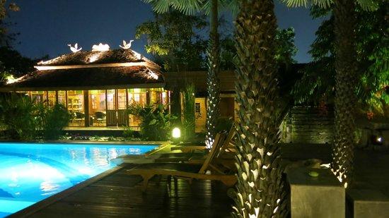 VC@Suanpaak Hotel & Serviced Apartment: Hotelgelände