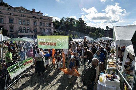 Mersmak I Skien AS: Mersmak matfestivalen du MÅ besøke.120 utstillere,smaker fra hele verden.hvert år siste helg i a