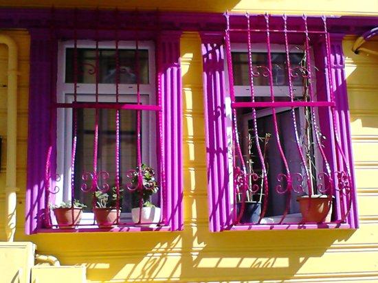 Pink Apart House: pembe apart
