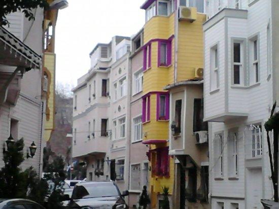 Pink Apart House: economy room
