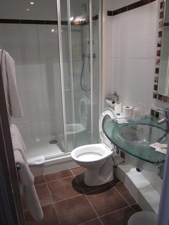 Hotel Viator - Paris Gare de Lyon: シャワールーム