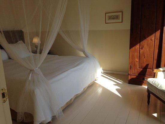 Hotel La Fuente De La Higuera: bedroom