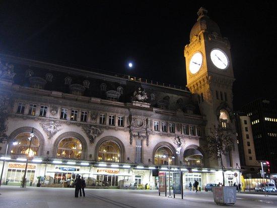 Hotel Viator - Paris Gare de Lyon: リヨン駅