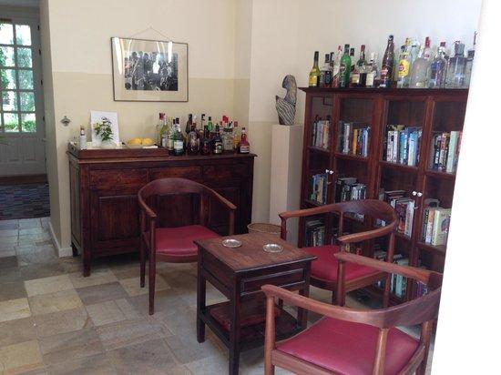 Hotel La Fuente De La Higuera: Honesty Bar