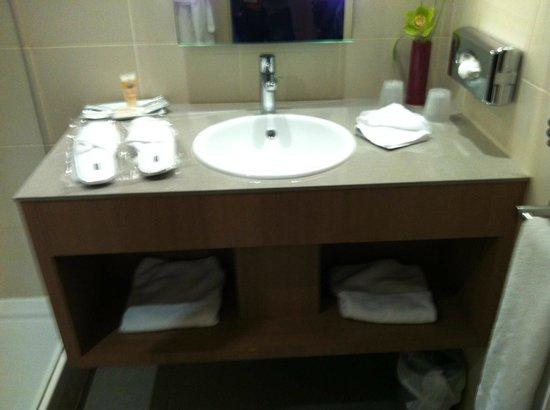 Pullman Bordeaux Lac : salle de bains