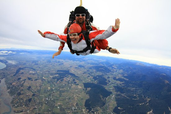 Skydive Abel Tasman: Exhilarating experience! I'll do it again.....
