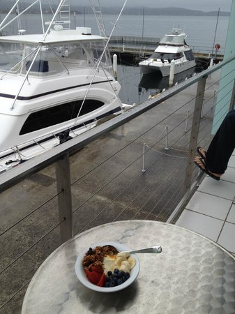 Somerset on the Pier Hobart: Breakfast on our private balcony