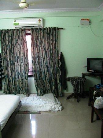 Hotel S.M. Regency: AC room