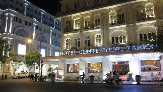Hotel Continental Saigon: Facade
