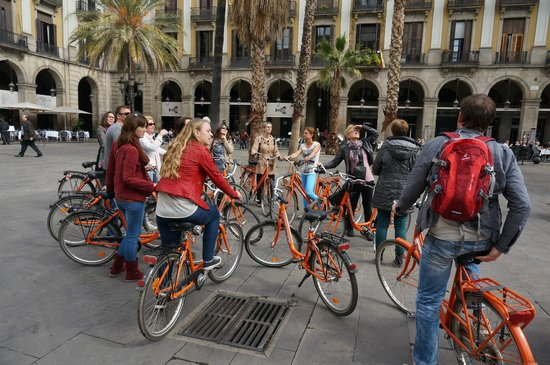 Baja Bikes Barcelona: Placa del Rei