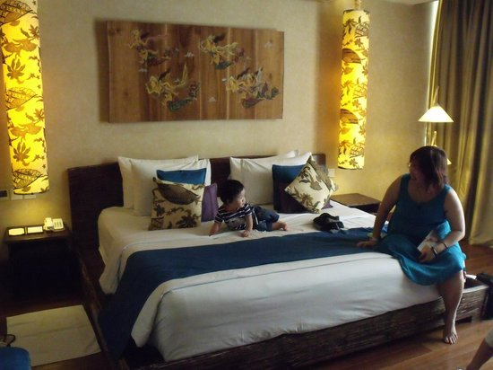 Kupu Kupu Jimbaran & Bamboo Spa by L'Occitane: Big bed