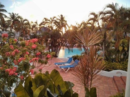Windjammer Landing Villa Beach Resort: View to the main pool