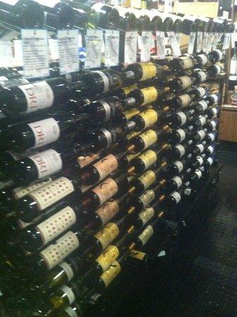Enoteca Sileno: a great variety of wines