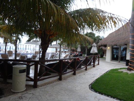 Desire Resort & Spa Riviera Maya: Rainy day