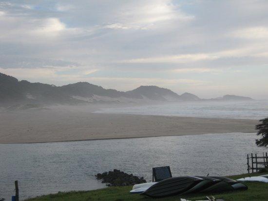 Wavecrest Beach Hotel: river mouth