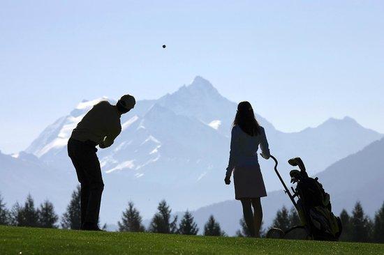 Hotel La Prairie: Le golf à proximité