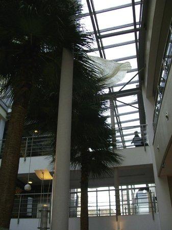 Qubus Hotel Krakow: Main lobby