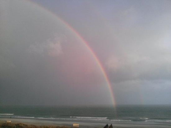 Dunes Village Resort: Rainbow on the beach speechless :)