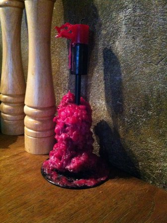 Krcma: Le candele consumate che fanno da base per le nuove!