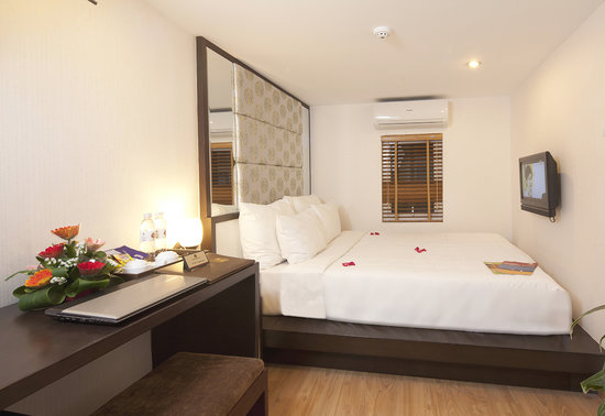 Rising Dragon Villa Hotel: Superior Room