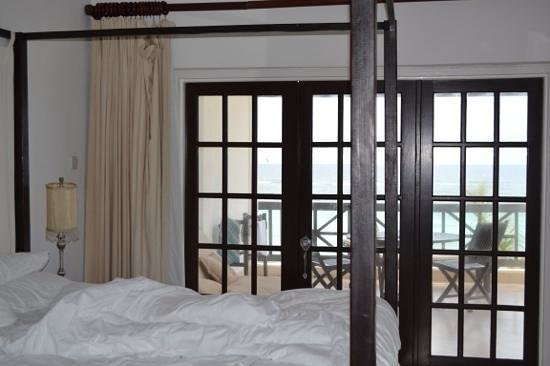 Silver Point Hotel: ocean front room