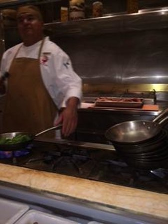 The Buffet at Wynn : Chef cooks your request to order