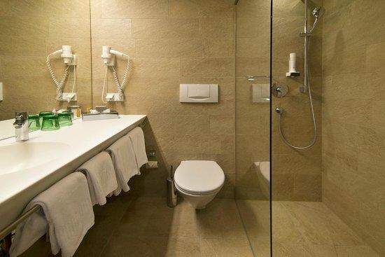 Anif, Austria: Badezimmer