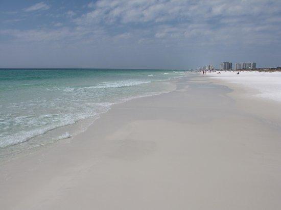 Crystal Sands Beach: Weisser Sand und türkisfarbenes Wasser