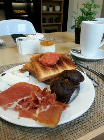 NH Collection Madrid Suecia: muy rico y los camareros son muy amables