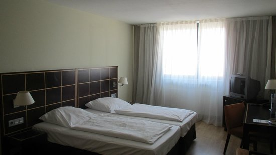 Hotel Regent: Room view 1