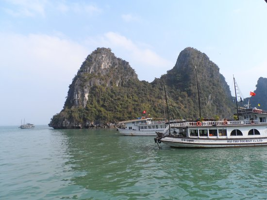 Adventure Indochina Travel: Boat Trip to Caves