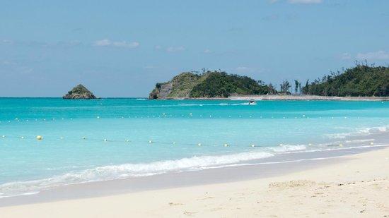 Okuma Beach: 美しい乳白色