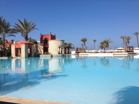 Sofitel Agadir Royal Bay Resort : early morning by the pool